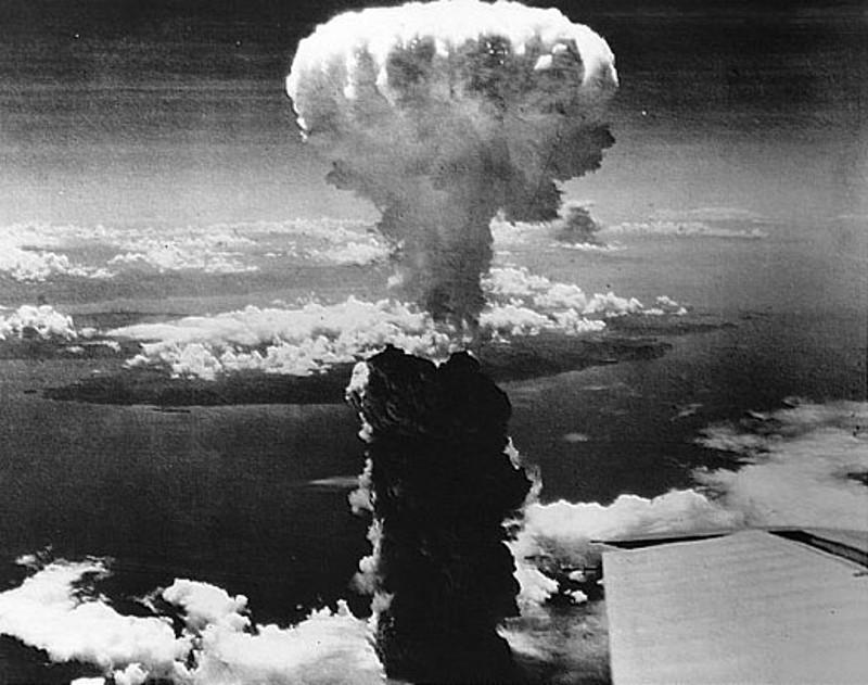1438523725hiroshima_bomba_atomica_giappone-2