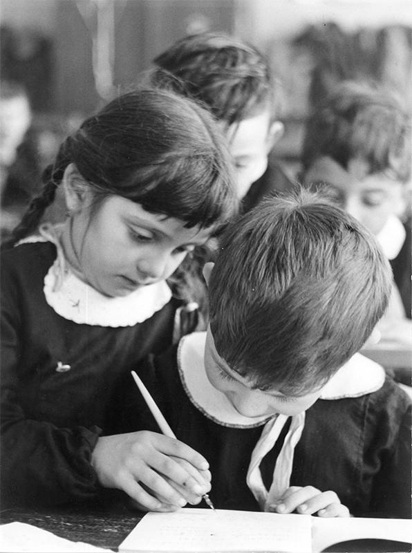 archivio_storico_indire_bambini_in_classe