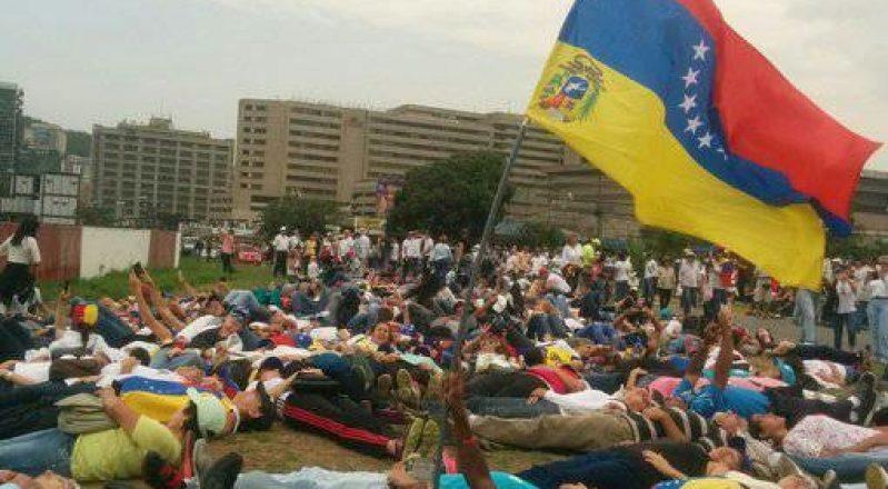 Osservatorio Venezuela: il popolo continua a manifestare (immagini e video in aggiornamento)