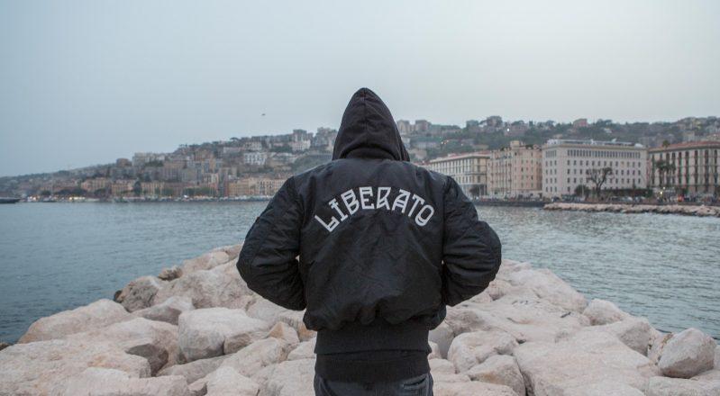 MTV Music, 18 maggio, presenta: Liberato – Capri Rendez-Vouz, il videoprogetto firmato da Francesco Lettieri