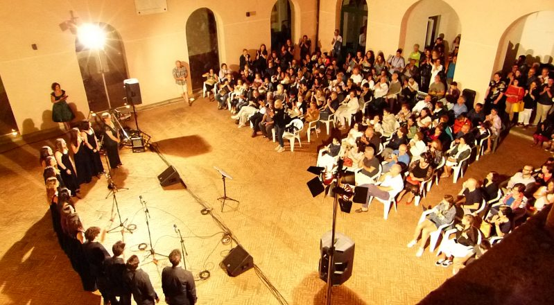 Vallo della Lucania (SA), Mia Fonè: le emozioni del concerto del coro cilentano (Video)