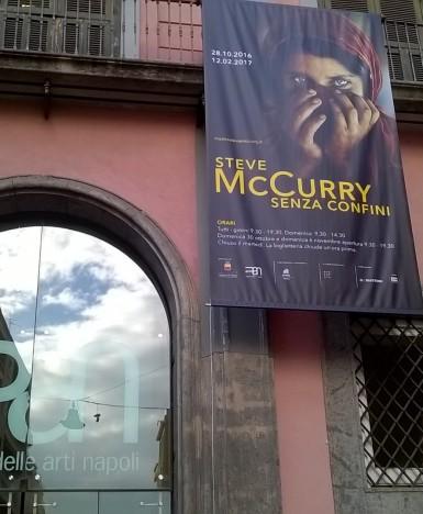 """Napoli, """"Steve McCurry senza confini"""": le emozioni di uno scatto e l'importanza del fotogiornalismo"""