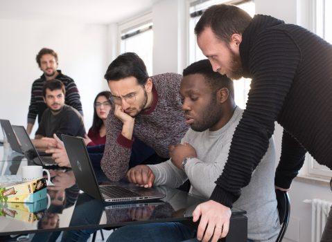 Campania, Giovani e Lavoro: da Benevento due giovani promesse della programmazione software nella scuola di coding di Develhope