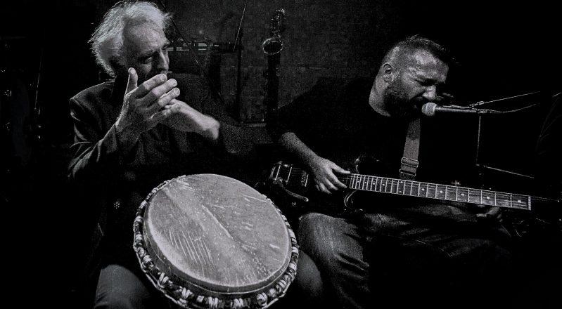 Musica: E' uscito Lockdown blues, il concerto di Don Antonio Gramentieri e Vince Vallicelli diventa un disco
