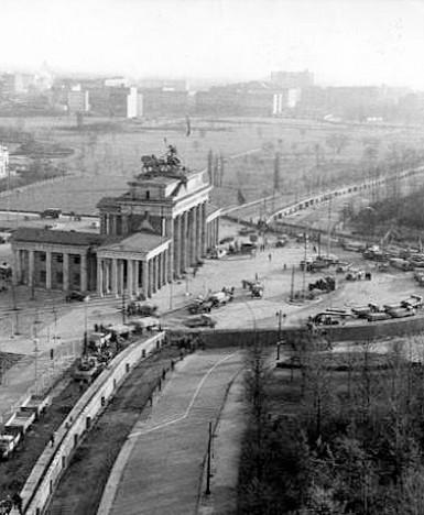 """#PernonDimenticare: """"Operazione Rosa"""", il 12 agosto 1961 iniziava la costruzione del Muro di Berlino"""