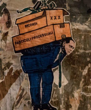 Roma, Berlusconi lascia Palazzo Grazioli: l'ultima opera della Street Artist Laika