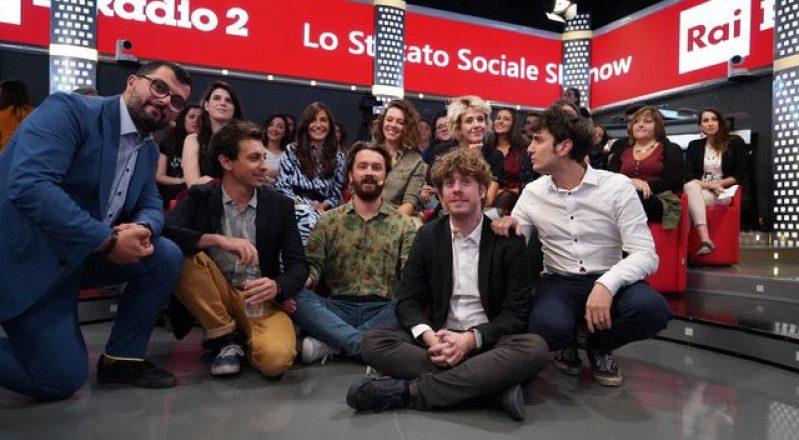 """Lo Stato Sociale: fuori il video di """"Autocertificanzone"""" e domenica nuova stagione del programma """"Lo Stato Sociale"""" su RAI Radio2"""